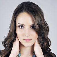 Biostimolazione della crescita del capello contro la calvizie maschile e femminile