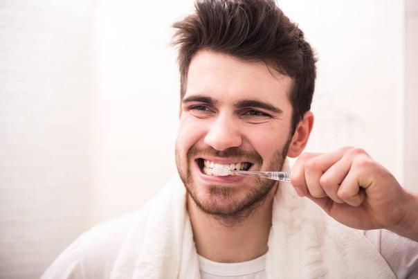 Pulizia quotidiana dei denti